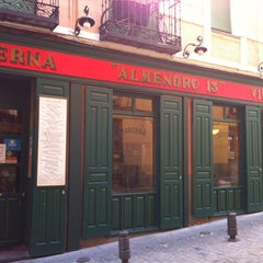 Photo taken at Taberna Almendro 13 by Asg bcn on 7/29/2012
