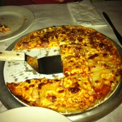 Photo taken at Pizano's Pizza & Pasta by Jami D. on 4/28/2012