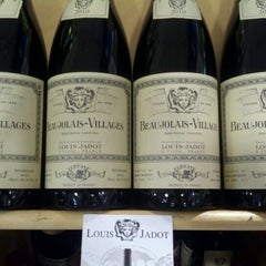 Photo taken at Shamrock Warehouse Liquor by Sherry H. on 6/29/2012