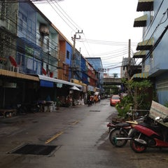 Photo taken at The Centric Ratchada Hotel Bangkok by ken k. on 7/29/2012