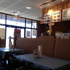 Photo taken at Dickey's Barbecue Pit Highlands Ranch by Correy H. on 3/24/2012