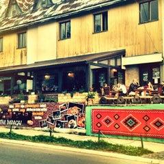 Photo taken at Zlatni papagaj by Sergej Z. on 8/30/2012