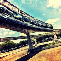 Photo taken at Monorail Red by JL W. on 5/5/2012