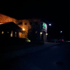 Photo taken at Olive Garden by Ashley D. on 7/28/2012