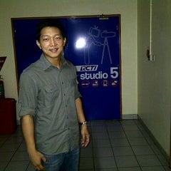 Photo taken at Studio 5 RCTI by Enoch S. on 8/28/2012