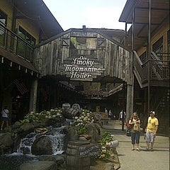Photo taken at Ole Smoky Moonshine Distillery by Dan B. on 8/28/2012