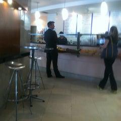 Photo taken at Pulse Restaurant & Bar by Matthew C. on 3/14/2012