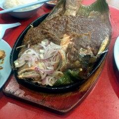 Photo taken at Taman Jurong Market & Food Centre by Monosodium Glutamate K. on 2/24/2012