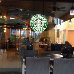 Photo taken at Starbucks Coffee by Jeicee on 2/4/2012