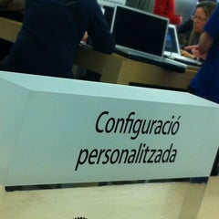 Photo taken at Apple Store, La Maquinista by sandra G. on 3/6/2012