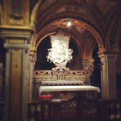 Photo taken at Basilica di San Nicola by Jad on 9/11/2012