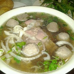 Photo taken at Pho Tran Restaurant by Jimmy C. on 7/2/2012