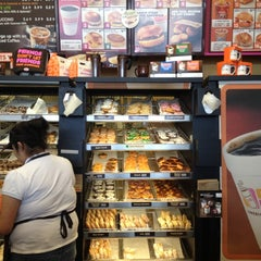 Photo taken at Dunkin' Donuts by Johnna D. on 3/25/2012