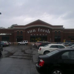 Photo taken at Marsh's Sun Fresh Market by Corey Againstallodds V. on 4/14/2012