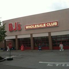 Photo taken at BJ's Wholesale Club by Jennifer B. on 7/26/2012