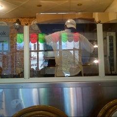 Photo taken at Pizzeria Prima by Igor G. on 9/3/2012