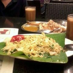Photo taken at Al-Salam Restaurant by Pok I. on 6/15/2012