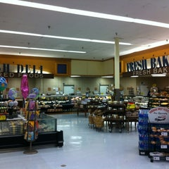 Photo taken at Albertsons by Theron X. on 3/15/2012
