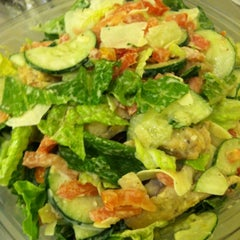 Photo taken at Green Leaf's Beyond Great Salads by Jenny A. on 6/29/2012