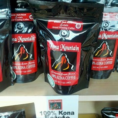 Photo taken at Kona Mountain Coffee by Michelle on 8/25/2012