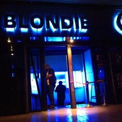 Photo taken at BLONDIE by Jose manuel R. on 4/13/2012
