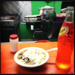 Photo taken at El Taco Veloz by Manu V. on 5/9/2012