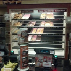 Photo taken at Dunkin' Donuts by Brando on 9/4/2012