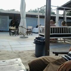 Photo taken at Bagno Hana-Bi by Lisa P. on 7/21/2012