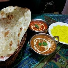 Photo taken at 에베레스트 Everest nepali restaurant by Mang E. on 3/10/2012