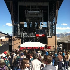 Photo taken at Music Undet The Tram by Chip C. on 3/31/2012