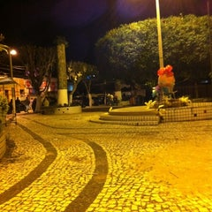 Photo taken at Praça de Guaramiranga by Bruna e W. on 4/7/2012