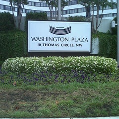 Photo taken at Washington Plaza Hotel by Alipe on 9/2/2012