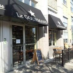Photo taken at Le Gourmand Café by Fernando on 8/16/2012