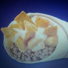 Photo taken at Taco Bell by derek c. on 5/31/2012