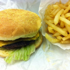 Photo taken at Luke's Italian Beef by Geoff F. on 8/7/2012