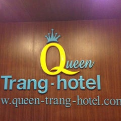 Photo taken at S2S Queen's Trang Hotel by Chomp B. on 4/27/2012