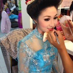Photo taken at ร้านคุณน้อง Wedding & Studio มหาชัย สมุทรสาคร by iSapphawat on 4/27/2012
