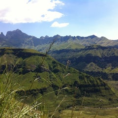Photo taken at Mushroom Rock, Drakensburg by Lourens V. on 4/4/2012