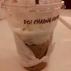Photo taken at Doi Chaang Coffee by June^__^ on 9/7/2012