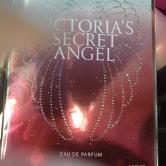 Photo taken at Victoria's Secret PINK by $ŦEPҤλ₦łE V. on 3/25/2012