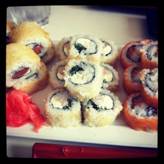 Photo taken at Niu Sushi by Gabriela A. on 8/29/2012