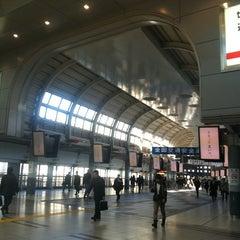 Photo taken at 品川駅 (Shinagawa Sta.) by Duke N. on 4/7/2012
