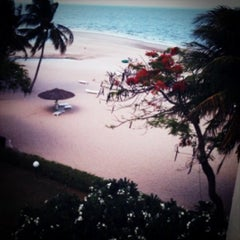 Photo taken at โรงแรมสวนบวกหาด (Beach Garden Hotel Cha-am) by Baskung ^. on 4/21/2012