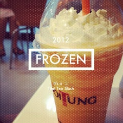 Photo taken at Café DoiTung (คาเฟ่ ดอยตุง) by Methawee U. on 2/15/2012