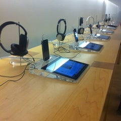 Photo taken at Apple Store, Cherry Creek by Steve D. on 9/4/2012