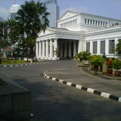 Photo taken at Museum Nasional Indonesia by ryon f. on 9/8/2012