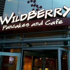 Photo taken at Wildberry Pancakes & Cafe by Arvin L. on 9/1/2012