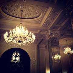 Photo taken at Voi - Jumeirah Zabeel Saray by A G L. on 6/12/2012