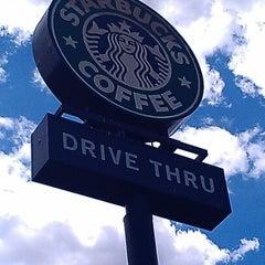 Photo taken at Starbucks by Jyeza 🎑 S. on 7/6/2012
