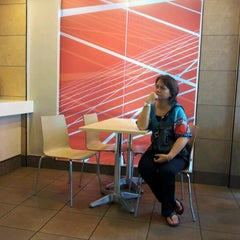 Photo taken at McDonald's by Valentina E. on 6/18/2012